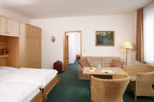 Ferienwohnung Harz mit Sitzecke und Küchenzeile